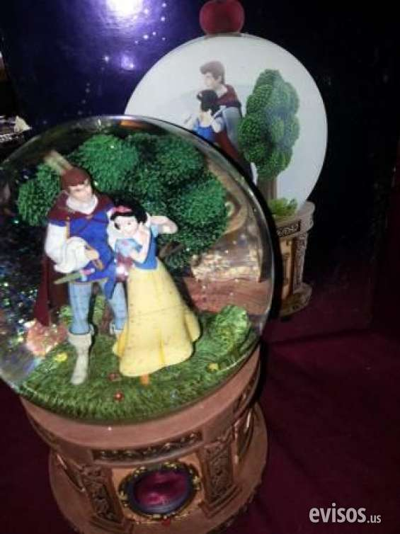 Pictures of Guaranteed walt disney's snow white  the seven dwarfs snow globe retails $2 3
