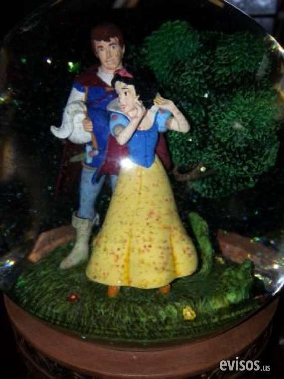 Pictures of Guaranteed walt disney's snow white  the seven dwarfs snow globe retails $2 1