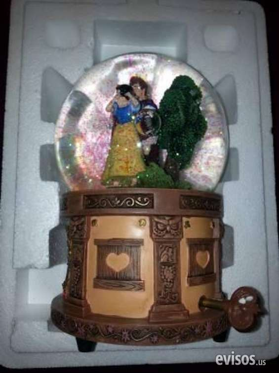 Pictures of Guaranteed walt disney's snow white  the seven dwarfs snow globe retails $2 2